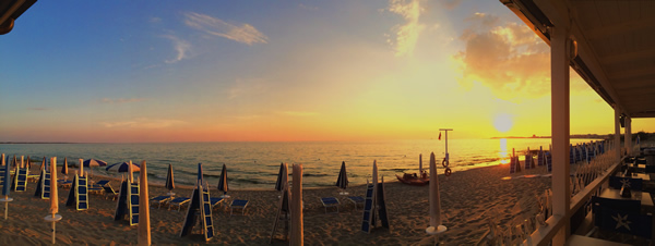 Tramonto al Lido Blue Bay Beach Gallipoli - Stabilimento Balneare nel Salento